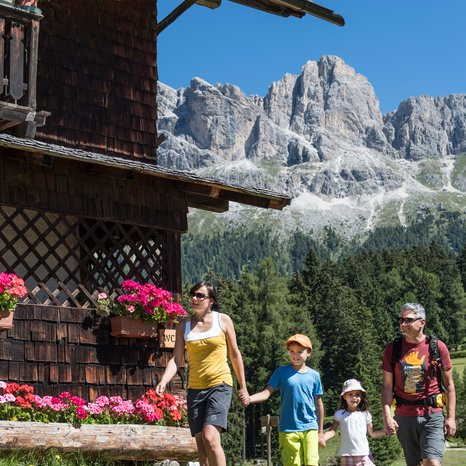 Family-hike to huts under the Rosengarten