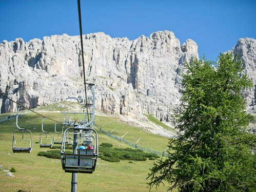Chairlift Re Laurin under the Rosengarten